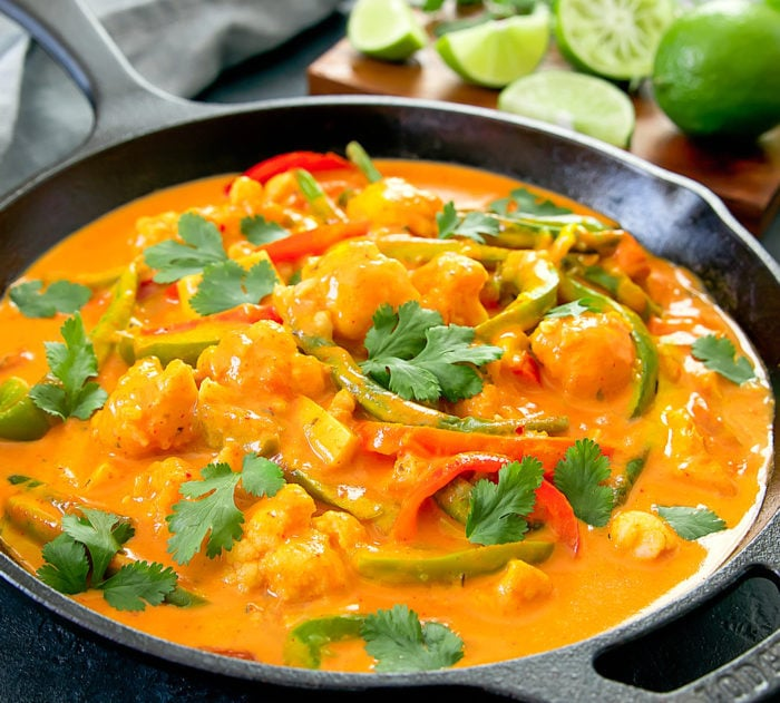 THAI RED CHICKEN CURRY WITH SWEET BASIL & PEANUTS